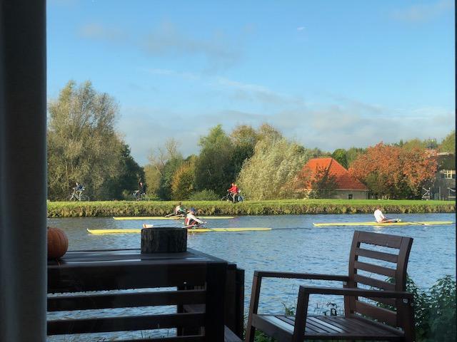 Rudersportler wenige Meter vor der Wohnung in den Niederlanden