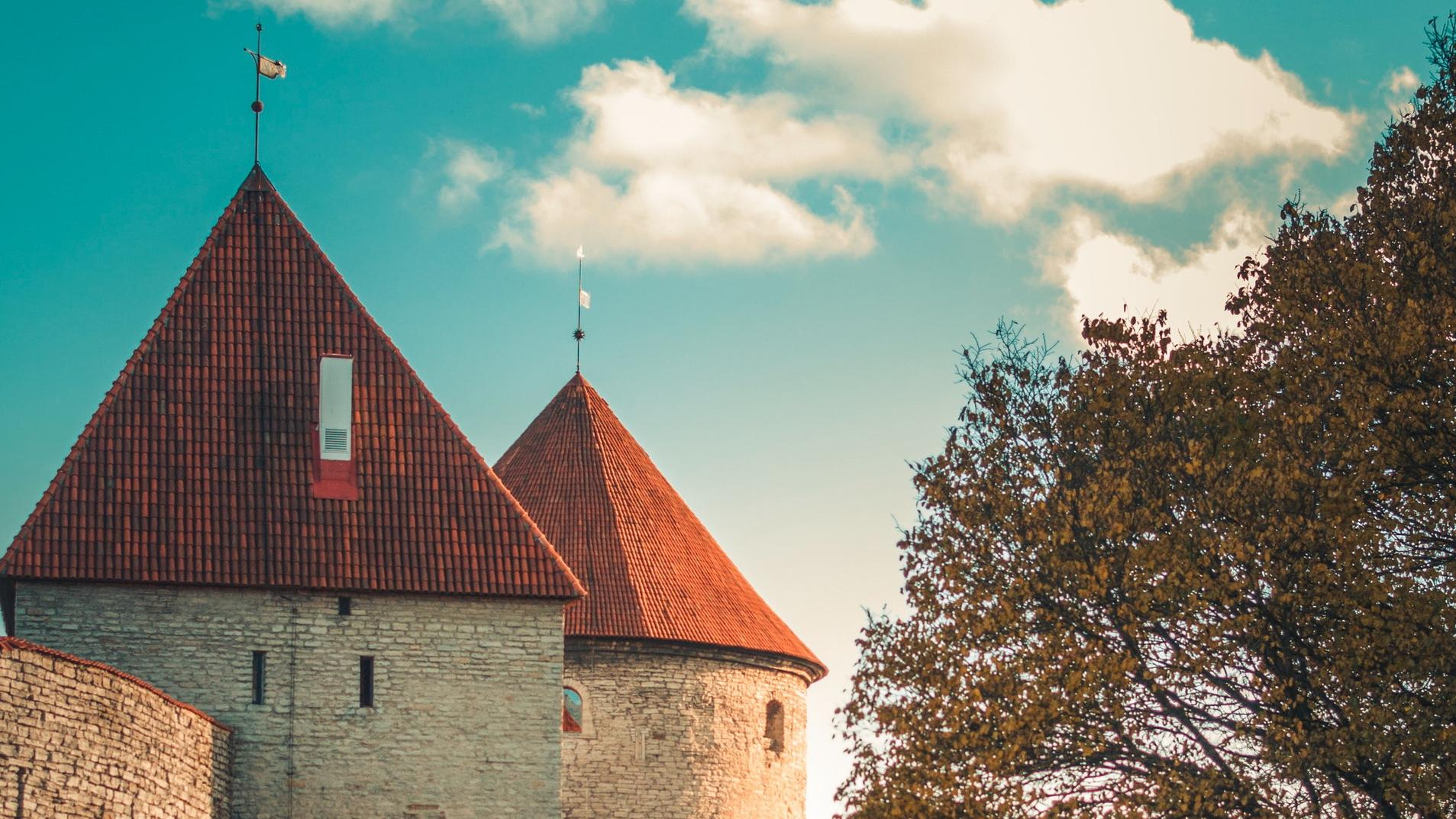 Foto einer estonischen Burgmauer